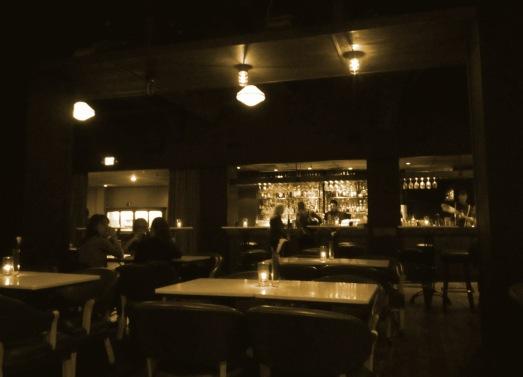 Local Bar 02